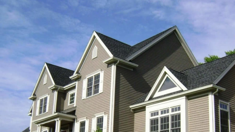 How to Choose a Roofing Contractors in Grosse Ile Michigan