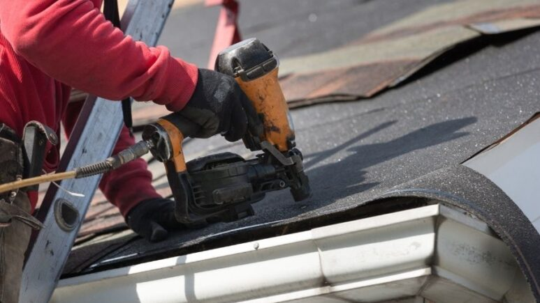 Getting a New Roof? Make Sure You Have a Roof Replacement Contract in Canton Michigan